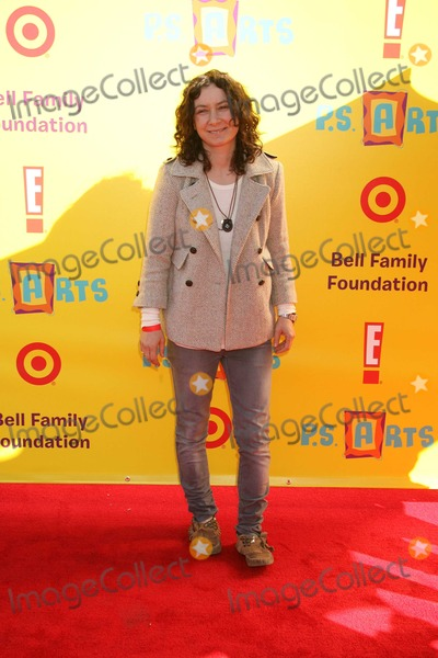 Sara Gilbert Photo - Santa Monica CA 11-15-2009Sara GilbertExpress Themselves Creative Arts FairPS Arts  Restoration of Arts Educationin Public Schools Santa Monica AirportPhoto by Nick Sherwood-PHOTOlinknet