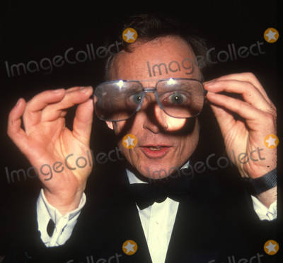Dick Cavett Photo - Dick Cavett6906JPG1990 FILE PHOTONew York NYDick CavettPhoto by Adam ScullPHOTOlinknetONE TIME REPRODUCTION RIGHTS ONLY813-995-8612 - eMail ADAMcopyrightPHOTOLINKNET