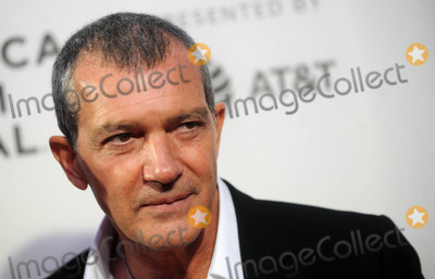 Antonio Banderas Photo - Photo by Dennis Van TinestarmaxinccomSTAR MAX2018ALL RIGHTS RESERVEDTelephoneFax (212) 995-119642018Antonio Banderas at the premiere of Genius Picasso at The Tribeca Film Festival in New York City