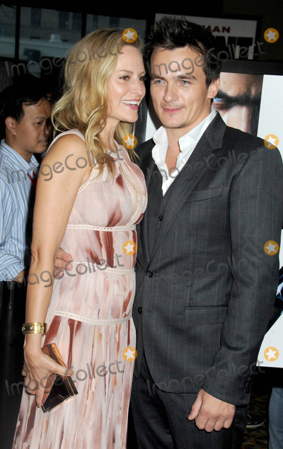 Aimee Mullins Photo - Photo by Dennis Van TinestarmaxinccomSTAR MAX2015ALL RIGHTS RESERVEDTelephoneFax (212) 995-119681315Rupert Friend and Aimee Mullins at the premiere of Hitman Agent 47 New York City Fan Event(NYC)