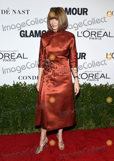 Anna Wintour Photo - Photo by KGC-11starmaxinccomSTAR MAX2016ALL RIGHTS RESERVEDTelephoneFax (212) 995-1196111416Anna Wintour at The 2016 Glamour Women of the Year Awards in Los Angeles CA