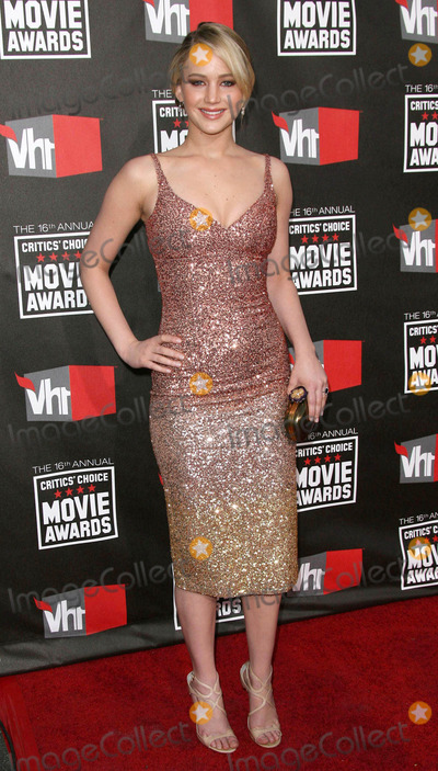 Jennifer Lawrence Photo - Photo by Quasarstarmaxinccom201111411Jennifer Lawrence at the 16th Annual Critics Choice Awards(Beverly Hills CA)US sales only