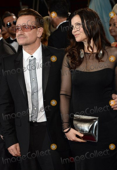 Ali Hewson Photo - Photo by Doug PetersstarmaxinccomSTAR MAX2014ALL RIGHTS RESERVEDTelephoneFax (212) 995-11963214Bono and Ali Hewson at the 86th Annual Academy Awards (Oscars)(Hollywood CA)