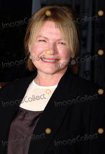 Dianne Wiest Photo - Photo by Walter Weissmanstarmaxinccom200691806Dianne Wiest at the premiere of A Guide To Recognizing Your Saints(NYC)