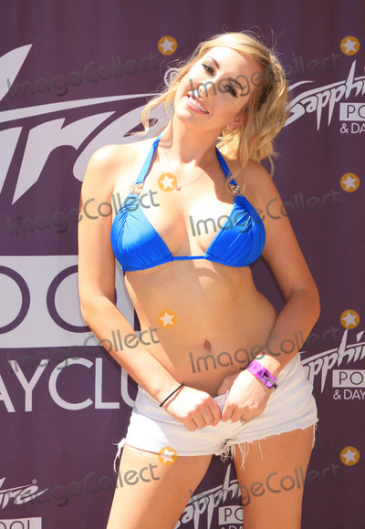 Sapphire Photo - Photo by Raoul GatchalianstarmaxinccomSTAR MAX2017ALL RIGHTS RESERVEDTelephoneFax (212) 995-119681917Brett Rossi arrives at Sapphire Pool Club in Las Vegas Nevada