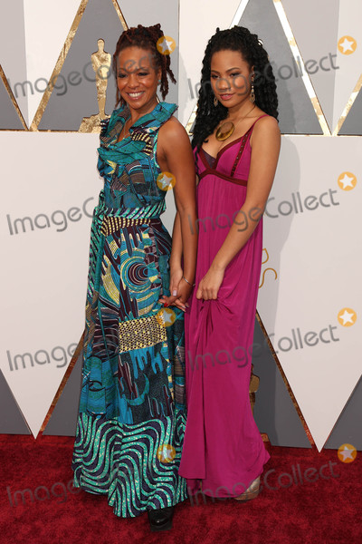 Anna Simone Photo - Photo by REWestcomstarmaxinccomSTAR MAXCopyright 2016ALL RIGHTS RESERVEDTelephoneFax (212) 995-119622816Lisa Simone Kelly and ReAnna Simone at the 88th Annual Academy Awards (Oscars)(Hollywood CA USA)