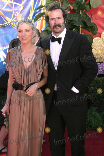 Beth Riesgraf Photo - Tom Laustarmaxinccom200682706Beth Riesgraf and Jason Lee at the 58th Annual Primetime Emmy Awards(Los Angeles CA)
