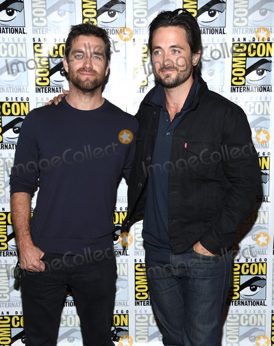 Antony Starr Photo - Photo by KGC-11starmaxinccomSTAR MAX2016ALL RIGHTS RESERVEDTelephoneFax (212) 995-119672316Antony Starr and Justin Chatwin at a photocall for CBS at Comic-Con 2016(San Diego CA)