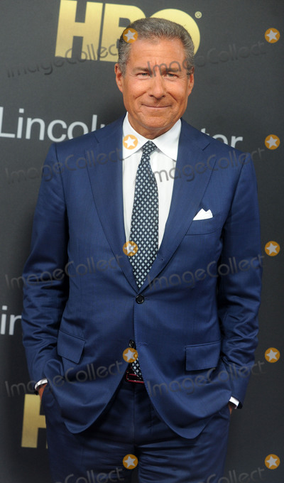 Richard Plepler Photo - Photo by Dennis Van TinestarmaxinccomSTAR MAXCopyright 2018ALL RIGHTS RESERVEDTelephoneFax (212) 995-119652918Richard Plepler at Lincoln Centers American Songbook Gala held at Alice Tully Hall in New York City(NYC)