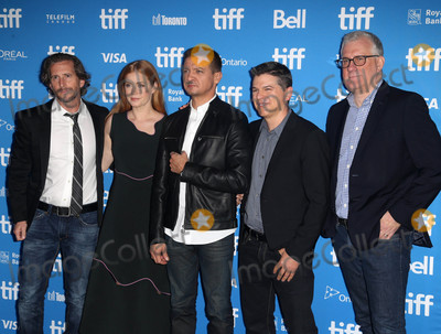 Aaron Ryder Photo - Photo by KGC-146starmaxinccomSTAR MAX2016ALL RIGHTS RESERVEDTelephoneFax (212) 995-119691216Aaron Ryder Amy Adams Jeremy Renner Dan Levine and David Linde at the Arrival press conference at the Toronto International Film Festival (TIFF) in Toronto Canada