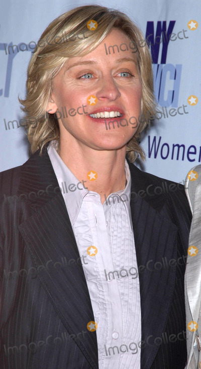 The Matrix Photo - Photo by Walter Weissmanstarmaxinccom20064306Ellen Degeneres at the 2006 Matrix Awards(NYC)