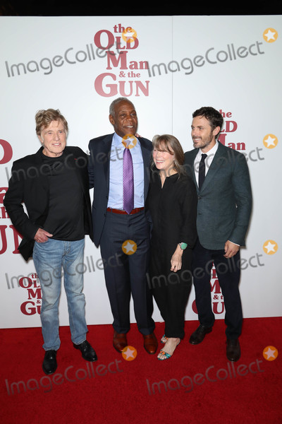 Robert Redford Photo - Photo by John NacionstarmaxinccomSTAR MAX2018ALL RIGHTS RESERVEDTelephoneFax (212) 995-119692018Robert Redford Danny Glover Sissy Spacek and Casey Affleck at the premiere of The Old Man  The Gun in New York City