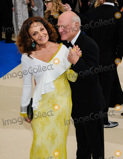 Diane Von Furstenberg Photo - Photo by ESBPstarmaxinccomSTAR MAXCopyright 2017ALL RIGHTS RESERVEDTelephoneFax (212) 995-11965117Diane Von Furstenberg and Barry Diller at the 2017 Costume Institute Gala - Rei KawakuboComme des Garcons Art Of The In-Between(Metropolitan Museum of Art NYC)