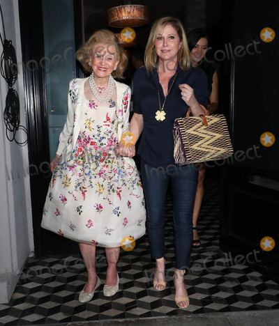 Barbara Davis Photo - Photo by gotpapstarmaxinccomSTAR MAX2018ALL RIGHTS RESERVEDTelephoneFax (212) 995-11968218Barbara Davis and Kathy Hilton are seen outside Craigs in West Hollywood CA