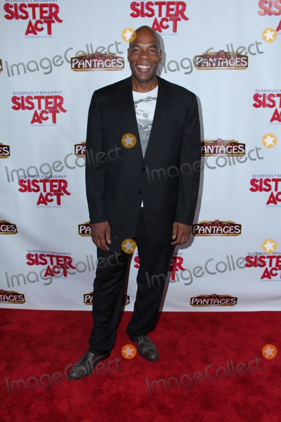 Alonzo Bodden Photo - Photo by GPTCWstarmaxinccom2013ALL RIGHTS RESERVEDTelephoneFax (212) 995-11967913Alonzo Bodden at the premiere of Sister Act(Los Angeles CA)