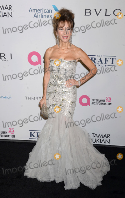 Susan Lucci Photo - Photo by Dennis Van TinestarmaxinccomSTAR MAXCopyright 2017ALL RIGHTS RESERVEDTelephoneFax (212) 995-119611717Susan Lucci at The Elton John AIDS Foundations Annual Fall Gala in New York City(NYC)