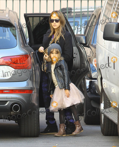 Honor Warren Photo - Photo by JGRFstarmaxinccom2013ALL RIGHTS RESERVEDTelephoneFax (212) 995-1196103113Jessica Alba and Honor Warren out and about(Los Angeles CA)