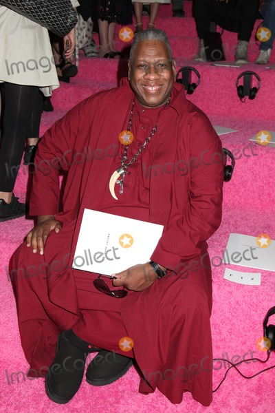 Andr Leon Talley Photo - Photo by HQBstarmaxinccomSTAR MAX2014ALL RIGHTS RESERVEDTelephoneFax (212) 995-119691114Andre Leon Talley at Mercedes-Benz Fashion Week Spring 2015 Collection(NYC)
