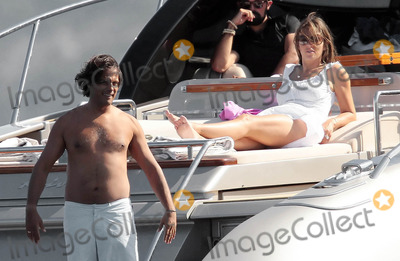 Arun Nayer Photo - Elizabeth Hurley and Arun Nayer on vacation in Saint Tropez (France) 81710
