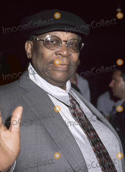 B B King Photo - Photo by Russ EinhornCopyright Star Max 2001All Access _ IMAX Film Premiere  IMAX TheatreUniversal Studios _ California21801BB King