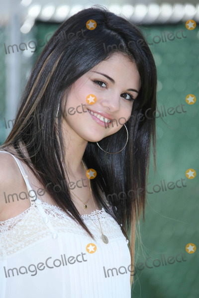 Selena Gomez Photo - Photo by REWestcomstarmaxinccom20086808Selena Gomez at A Time for Heroes Celebrity Carnival to benefit the Elizabeth Glaser Pediatric AIDS Foundation(Los Angeles CA)