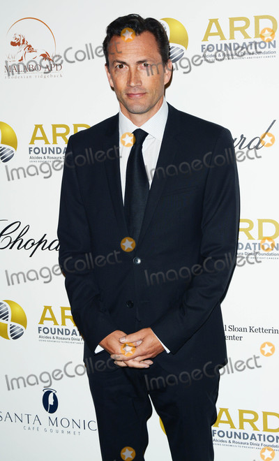 Andrew Shue Photo - Photo by Patricia SchleinstarmaxinccomSTAR MAX2017ALL RIGHTS RESERVEDTelephoneFax (212) 995-11969717Andrew Shue at the Alcides  Rosaura (ARD) Foundations A Brazilian Night in New York City