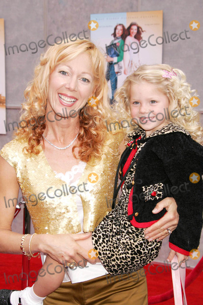 Lynn-Holly Johnson Photo - Photo by REWestcomstarmaxinccom200531305Lynn Holly Johnson and daughter at the premiere of Ice Princess(Hollywood CA)