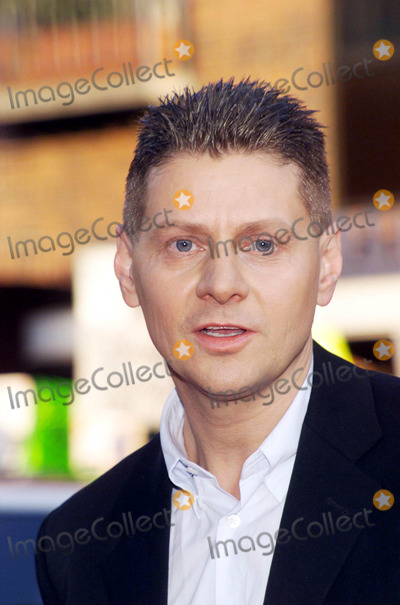 Andrew Niccol Photo - Photo by  Tom LauLoud  Clear MediaSTAR MAX Inc - copyright 2002 ALL RIGHTS RESERVED  081302Director Andrew Niccol at the World Premiere of Simone (New Line Cinema)(CA)