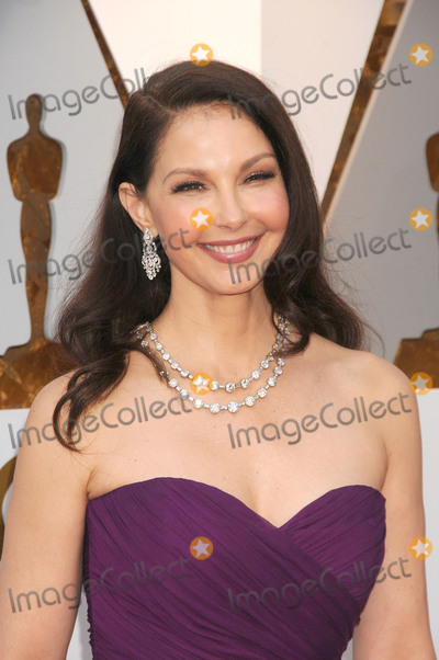 Ashley Judd Photo - Photo by GalaxystarmaxinccomSTAR MAXCopyright 2018ALL RIGHTS RESERVEDTelephoneFax (212) 995-11963418Ashley Judd at the 90th Annual Academy Awards (Oscars) presented by the Academy of Motion Picture Arts and Sciences(Hollywood CA USA)