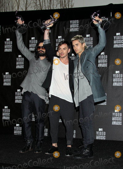 30 Seconds to Mars Photo - Photo by REWestcomstarmaxinccom201091210Jared Leto with his band 30 Seconds to Mars at the MTV Video Music Awards(Los Angeles CA)