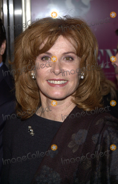 Stephanie Powers Photo - Photo by Peter KramerSTAR MAX Inc - copyright 200111801Stephanie Powers at The Women play opening(NYC)