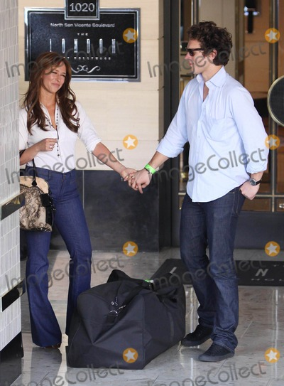 Alex Beh Photo - Photo by VPRFstarmaxinccom201011411Jennifer Love Hewitt and Alex Beh out and about(CA)