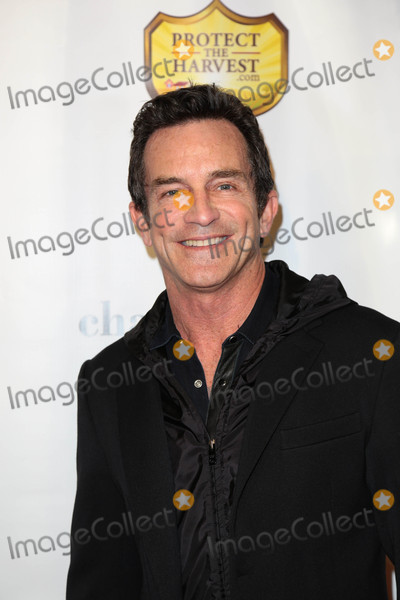 Jeff Probst Photo - Photo by gotpapstarmaxinccomSTAR MAX2017ALL RIGHTS RESERVEDTelephoneFax (212) 995-11962617Jeff Probst at the premiere of Running Wild(Los Angeles CA)