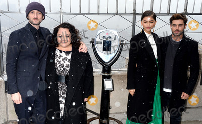 Zendaya Coleman Photo - Photo by Dennis Van TinestarmaxinccomSTAR MAX2017ALL RIGHTS RESERVEDTelephoneFax (212) 995-119612917Michael Gracey Keala Settle Zendaya Coleman and Zac Efron at The Greatest Showman Cast Light up the Empire State Building in New York City