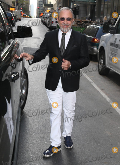Emilio Estefan Photo - Photo by KGC-146starmaxinccomSTAR MAX2016ALL RIGHTS RESERVEDTelephoneFax (212) 995-119642516Emilio Estefan is seen in New York City