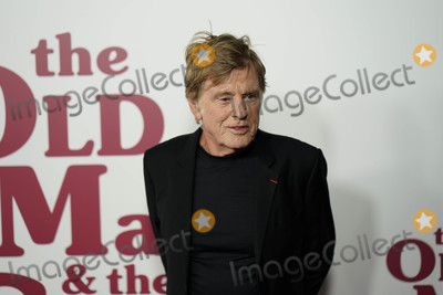 Robert Redford Photo - Photo by John NacionstarmaxinccomSTAR MAX2018ALL RIGHTS RESERVEDTelephoneFax (212) 995-119692018Robert Redford at the premiere of The Old Man  The Gun in New York City