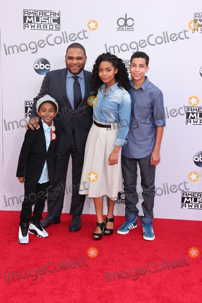 Yara Shahidi Photo - Photo by REWestcomstarmaxinccomSTAR MAX2014ALL RIGHTS RESERVEDTelephoneFax (212) 995-1196112314Miles Brown A Anderson Yara Shahidi and Marcus Scribner at the 2014 American Music Awards(Los Angeles CA)