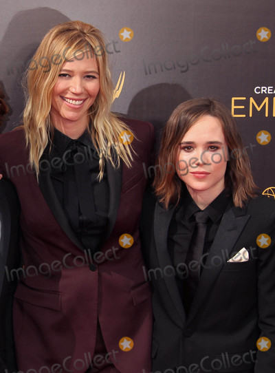 Ellen Page Photo - Photo by REWestcomstarmaxinccomSTAR MAX2016ALL RIGHTS RESERVEDTelephoneFax (212) 995-119691116Samantha Thomas and Ellen Page at The 2016 Creative Arts Emmy Awards at the Microsoft Theatre in Los Angeles CA