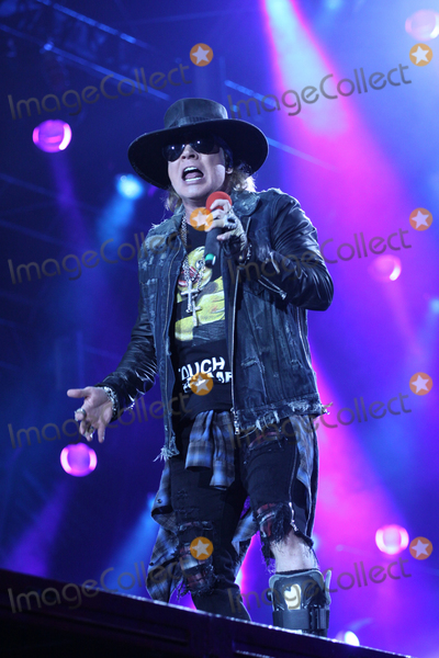 Axl Rose Photo - Singer AXL ROSE ACDC-concert Hamburg Volksparkstadion 26052016