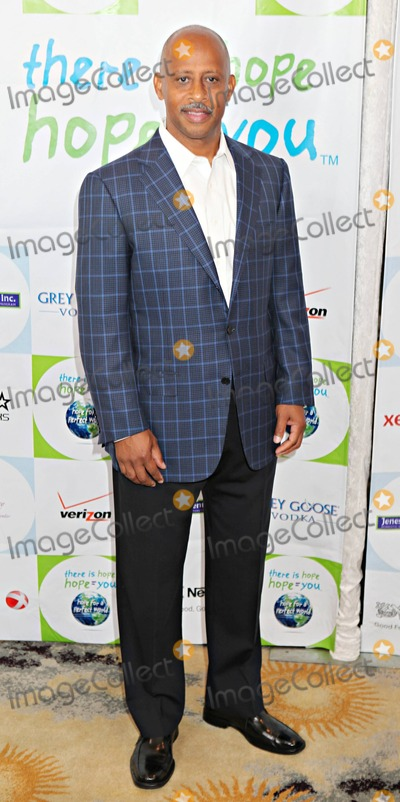 Ruben Santiago-Hudson Photo - Ruben Santiago-Hudson arrives at the 2011 Jenesse Silver Rose Auction and Gala held at the Beverly Hills Hotel Los Angeles CA 041711