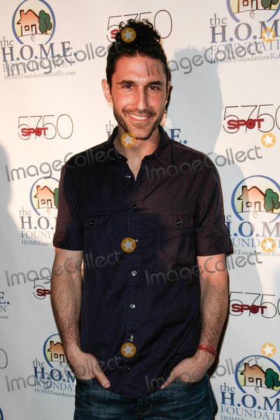 Ethan Zohn Photo - Ethan Zohn arrives at HOME Foundations STIKS Celebrity Video Game Challenge held at Spot 5750 Los Angeles CA 011111