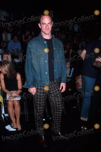 Christopher Meloni Photo - Sd0918 Kenneth Cole Springsummer 2003 Fashion Show Photohenry McgeeGlobe Photos Inc 2002 Christopher Meloni