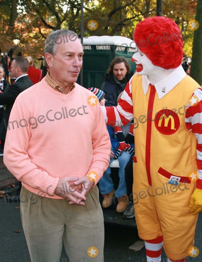 Ronald McDonald Photo - New York NY 11-22-07Mayor Michael Bloomberg and Ronald McDonald80th Annual Thanksgiving Day ParadeDigital photo by Lane Ericcson-PHOTOlinknet