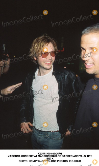 Beck Photo - 072501 Madonna Concert at Madison Square Garden Arrivals NYC Beck Photo Henry McgeeGlobe Photos Inc