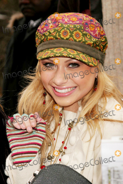 Aly and AJ Photo - Alyson Michalka (Aly  Aj) at the 79th Annual Macys Thanksgiving Day Parade on Central Park West in New York City on 11-24-2005 Photo by Henry McgeeGlobe Photos Inc 2005