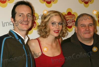 Christina Applegate Photo - CHRISTINA APPLEGATE WITH HER CO-STARS DENIS OHARE AND ERNIE SABELLA MAKING HER BROADWAY DEBUT IN REHEARSAL FOR SWEET CHARITY AT NEW 42ND STREET STUDIOS IN NEW YORK CITY ON 01-19-2005  PHOTO BY HENRY McGEEGLOBE PHOTOS INC 2005K41170HMCPHOTO BY HENRY MCGEE-GLOBE PHOTOS