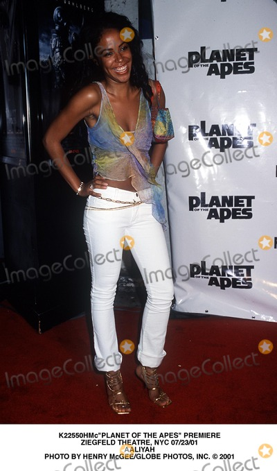 Aaliyah Photo - planet of the Apes Premiere Ziegfeld Theatre NYC 072301 Aaliyah Photo by Henry McgeeGlobe Photos Inc