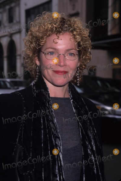 Amy Irving Photo - Amy Irving Noel Cowards Private Lives Opening Night at Richard Rodgers Theatre 2002 K24991hmc Photo by Henry Mcgee-Globe Photos Inc