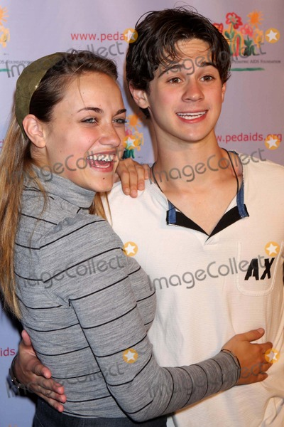Alice Kremelberg Photo - ALICE KREMELBERG AND CONNOR PAOLO ARRIVING AT THE 15TH ANNUAL KIDS FOR KIDS CARNIVAL TO BENEFIT THE ELIZABETH GLASER PEDIATRIC AIDS FOUNDATION AT THE 7TH REGIMENT PARK AVENUE ARMORY IN NEW YORK CITY ON 09-20-2008  PHOTO BY HENRY McGEEGLOBE PHOTOS INC 2008K59895HMc