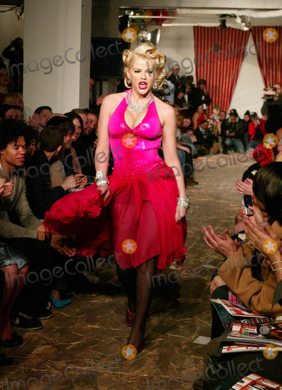 Anna Nicole Smith Photo - Anna Nicole Smith at Heatherette Showing of Fall Collection at Mao Space at Atlas in New York City on February 12 2004 Photo by Henry McgeeGlobe Photos Inc 2004 Heatherette Fashion Runway Model